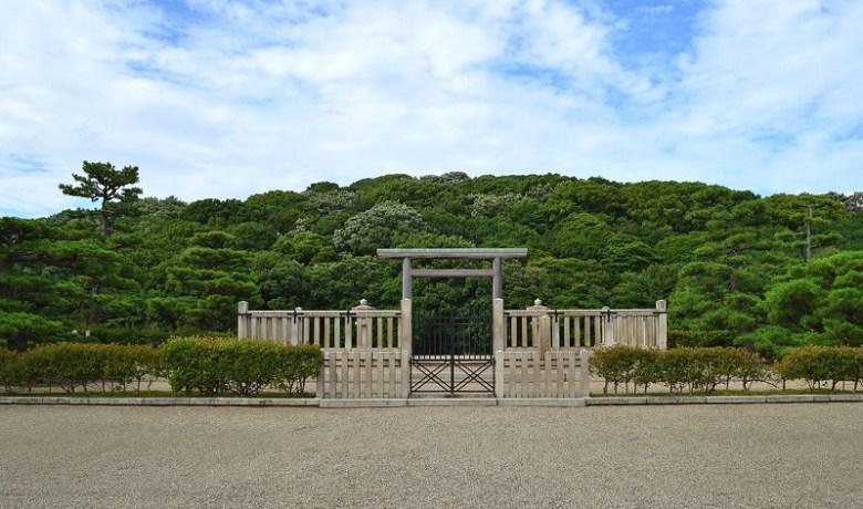 Kamiishizu_Misanzai_Kofun_haisho