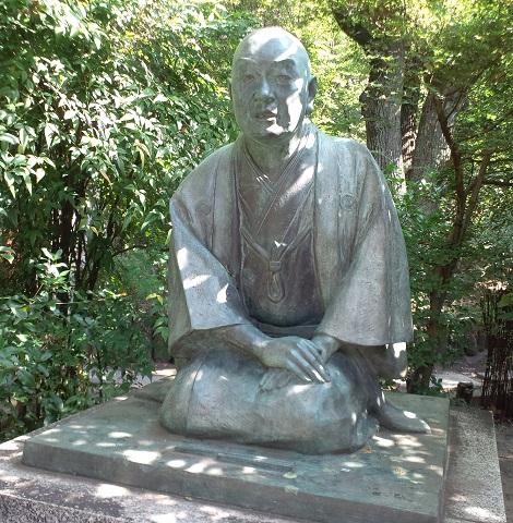 Statue_of_Ihara_Saikaku