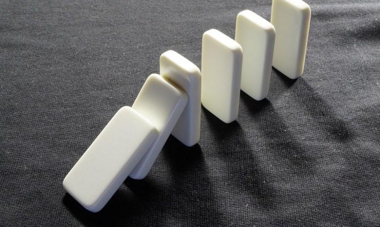 dominoes-719199_1280