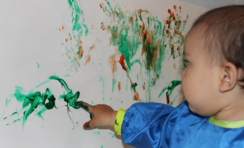 finger-painting-366687_1280