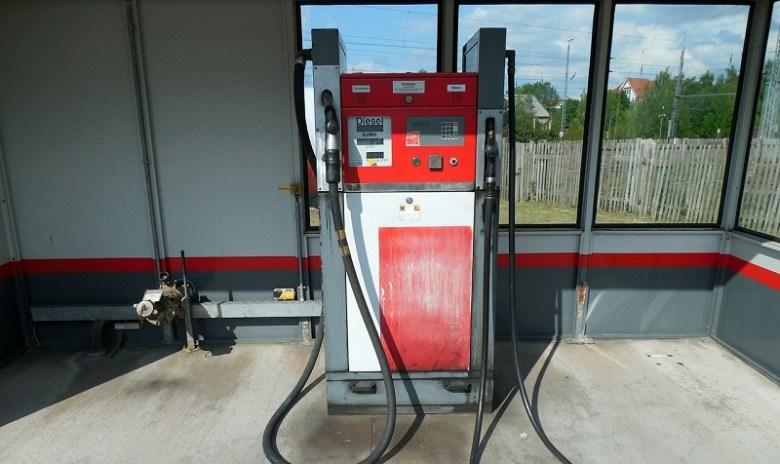 fuel-pump-783497_1280